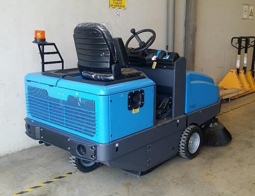 Barredora electrica conductor sentado PB160 E